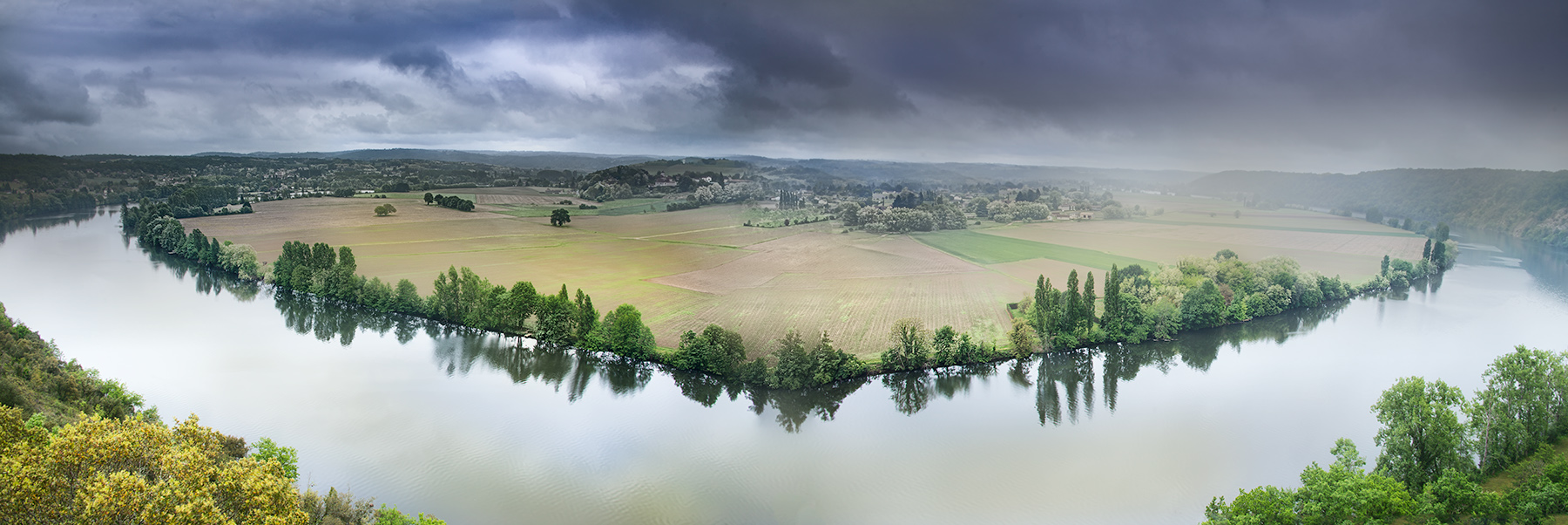 Bend in the River - Dordogne © Harold Davis